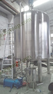 bktm-2t-detergent-storage-cooling-tank-with-mixing-and-vacuum-homogenizing