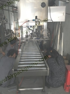 hot-filling-machine-with-4heads2-2