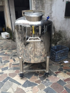 BKT-100 100L vacuum tank with heaters