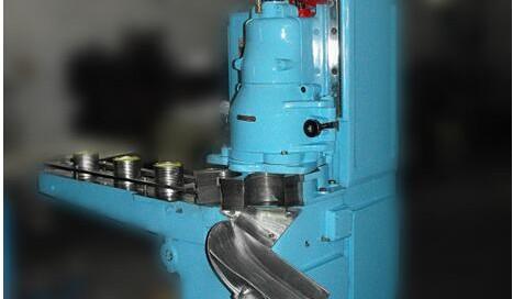 BKAV-4B2 Automatic Tin can Vacuuming Seaming Machin